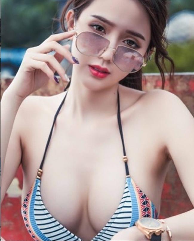 Năm xưa,quản lý của người đẹp này phủ nhận thông tin trên và giải thích rằng Ông Tử Hàm được mời đến làm nhân chứng trong vụ bán dâm xuyên quốc gia của Lưu Kiều An chứ bản thân không phải gái đi khách.