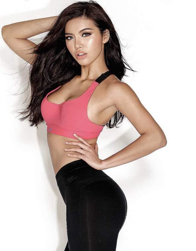 Ngoài là một hoa hậu, người mẫu Minh Tú còn là một gymer chính hiệu nên những bộ đồ tập cũng là trang phục quen thuộc của cô.