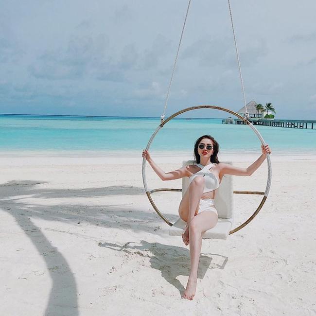 Bảo Thy có cuộc sống xa hoa, nhiều cô gái khác phải thèm muốn với những chuyến du lịch ở thiên đường Maldives.