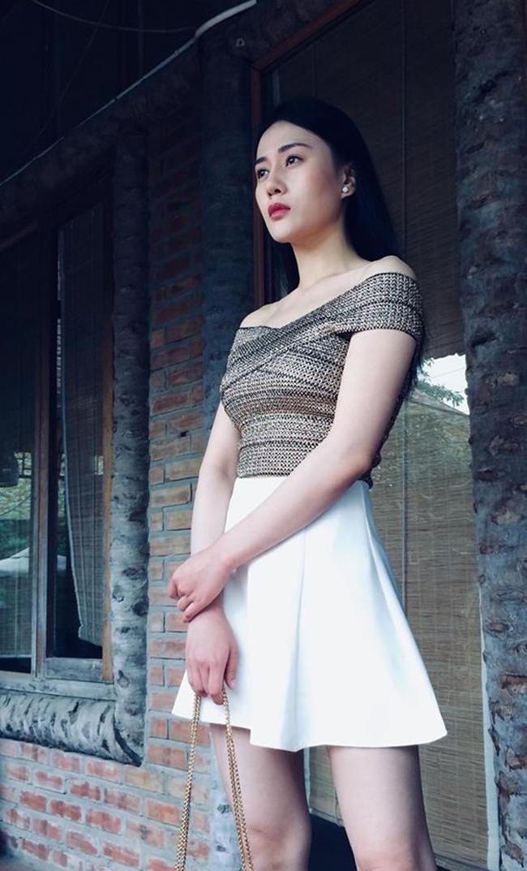 Sau vai diễn Quỳnh búp bê trong bộ phim truyền hình cùng tên, diễn viên Phương Oanh được đông đảo khán giả quan tâm. Thành công từ vai diễn Quỳnh đem đến cho người đẹp sinh năm 1989 nguồn thu không nhỏ từ việc tham dự event hay ghi hình quảng cáo