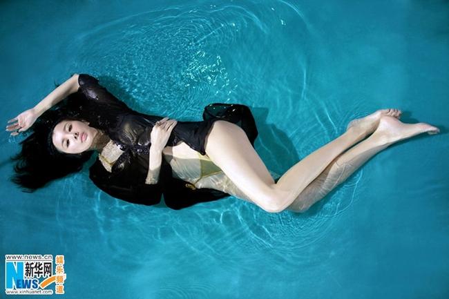 Tôn Phi Phi nhận được nhiều lời mời chụp ảnh quảng cáo bikini, nội y.