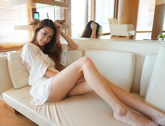 Không chỉ kiếm tiền nhờ tham gia chương trình truyền hình, Trần Thi Hân còn là gương mặt rất đắt show quảng cáo ở Hong Kong.