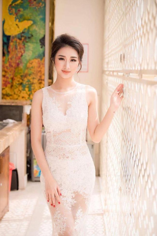 Nàng hoa hậu có vẻ đẹp phúc hậu này cũng cho biết cô không cảm thấy nhất thiết phải thành công hơn chồng vì thích cảm giác được ngưỡng mộ người đàn ông của mình.