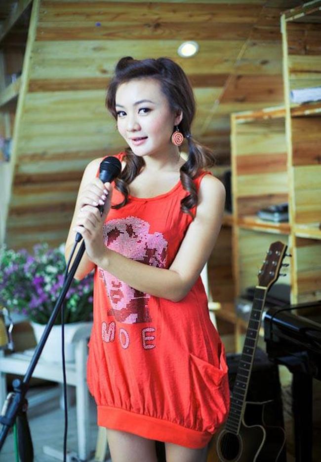 Từ một ca sĩ nhí được hàng triệu độc giả yêu mến, Xuân Mai dần rút khỏi showbiz để tập trung cho việc học khiến nhiều khán giả tiếc nuối.