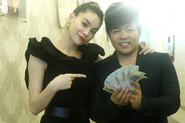 Quang Lê được đồn đoán có thu nhập thường từ 4.000-5.000 USD/show.