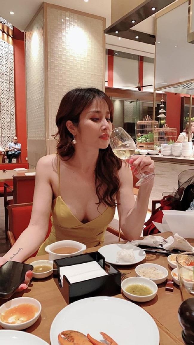 Nhưngchuyện tình của họ đã không thể kéo dài. Sau 7 năm, Phan Thanh Bình và Thảo Trang đã ly hôn. Sau 4 năm ly hôn, Thảo Trang ngày càng nổi tiếng và xinh đẹp hơn.