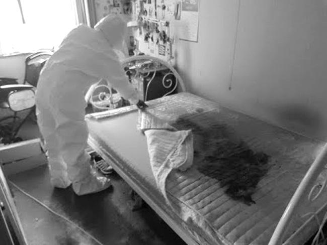 Năm 2017,Cirakoglu được gọi đến dọn dẹp thi thể một người đã qua đời mà không ai phát hiện ra. Người này đã chết 5 tháng, đến mức không ai có thể nhận dạng.