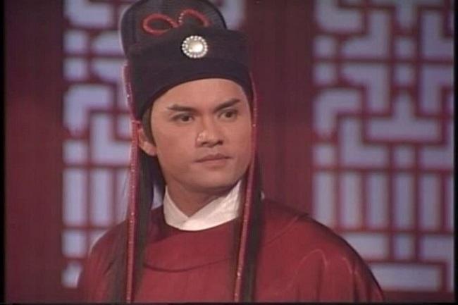 Thập niên 90, Lữ Lương Vỹ còn được mời đóng Triển Chiêu trong Tân Bao Thanh Thiên bản 1995 và trở thành phiên bản Triển Chiêu kinh điển của điện ảnh Hoa ngữ.