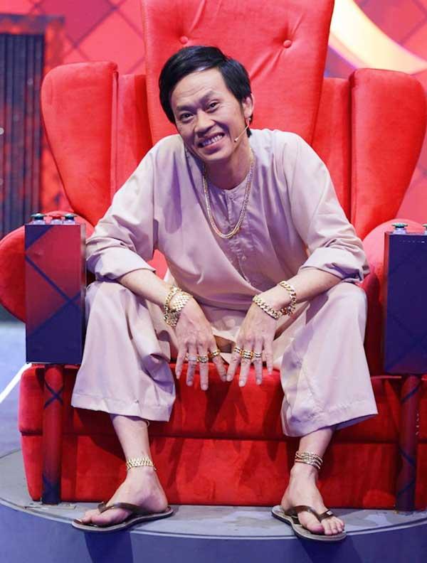 Tạm biệt tổ ong, Hoài Linh lột xác như trai trẻ với set đồ hiệu đắt tiền - 8