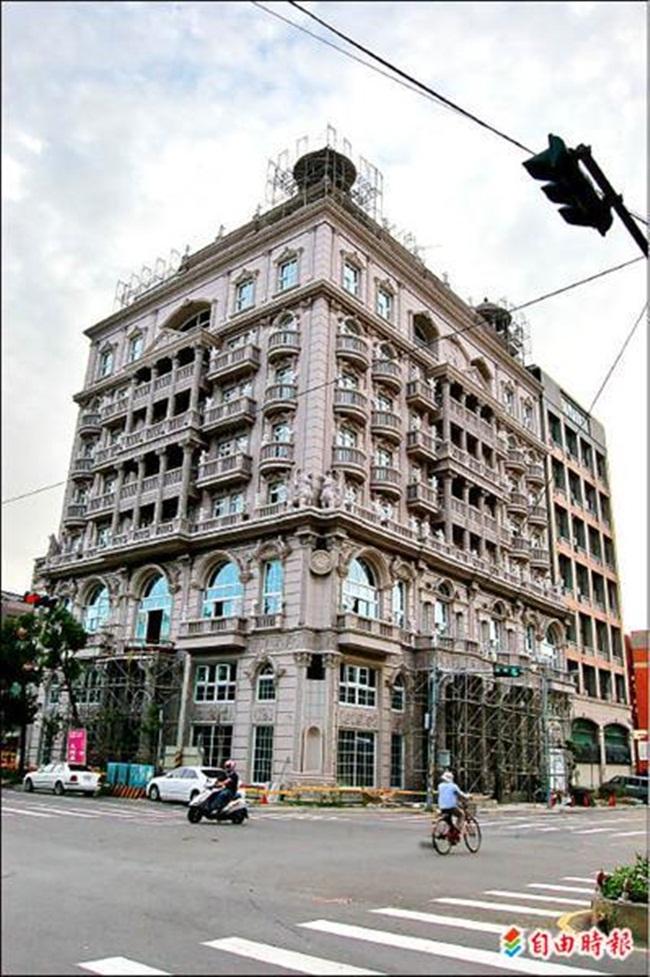 Ông Hu chi 400 triệu TWD (khoảng 303 tỷ đồng) để xây dựng ngôi nhà này cho vợ và các con ở.