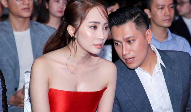 Ngoài đời Quỳnh Nga cũng chuộng style gợi cảm, đặc biệt là sắc đỏ quyến rũ.