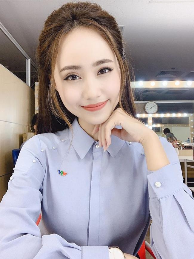 Xuân Anh từng gây ấn tượng với khán giả khi để đầu trần đứng dưới mưa tường thuật trực tiếp về tình hình cơn bão số 3 năm 2016. Hiện tại, cô là MC của chương trình thời tiết đài Truyền hình Việt Nam.