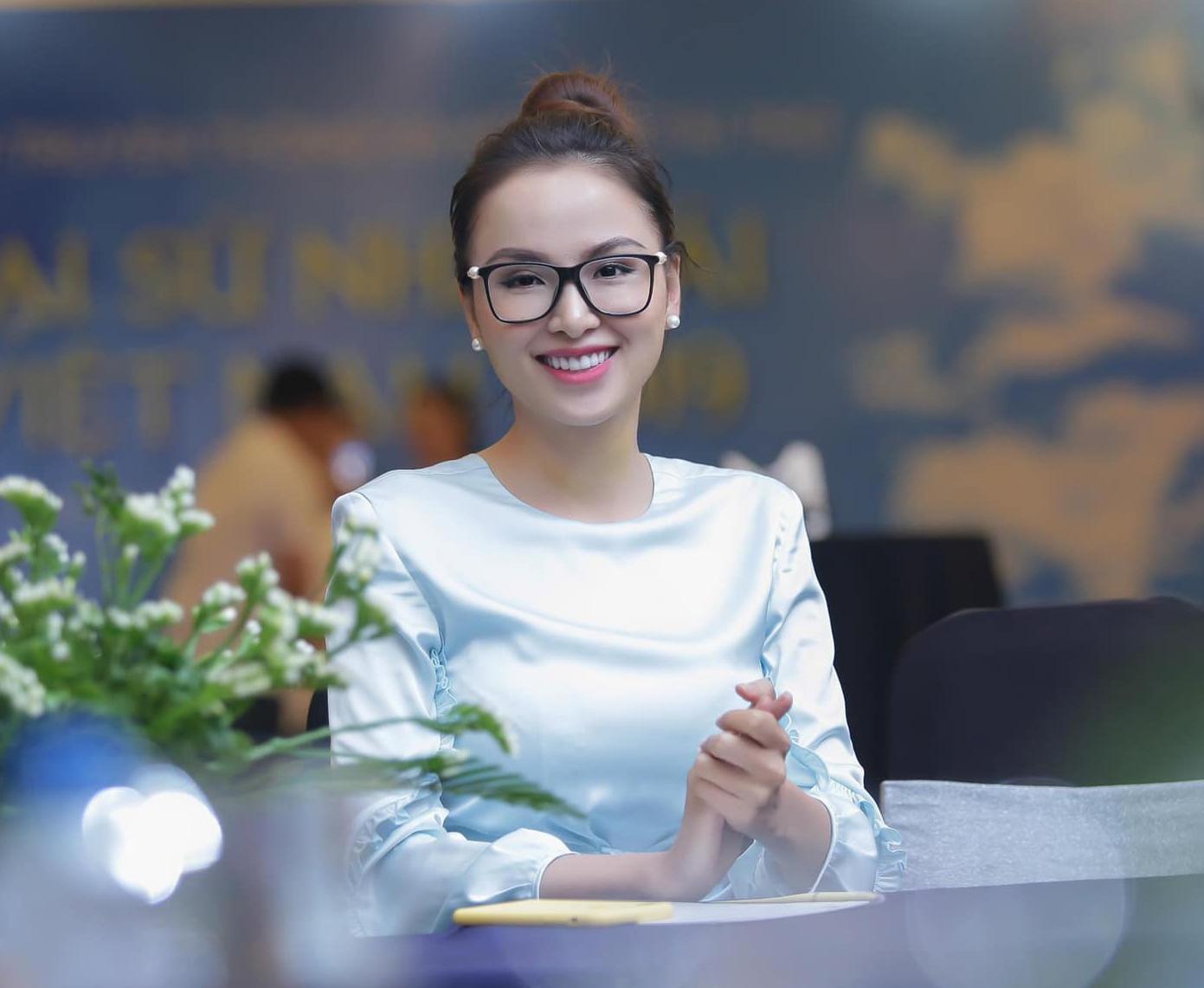 """Hoa hậu Diễm Hương: """"Chồng cũ trả tôi 10 triệu USD nếu sinh con"""" - 2"""