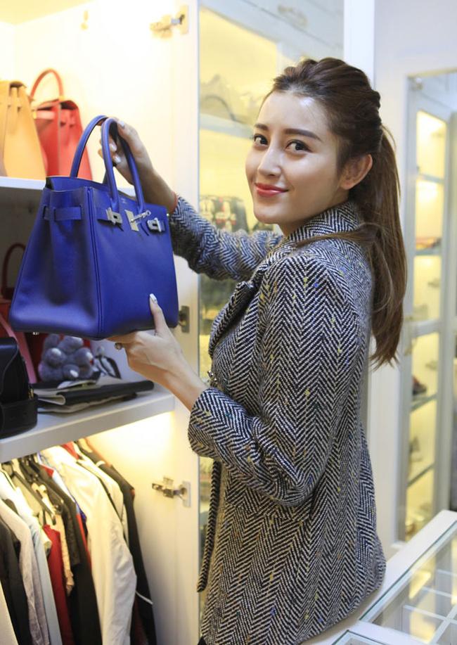 Huyền My sở hữu bộ sưu tập túi xách hàng hiệu với những thương hiệu nổi tiếng thế giới.