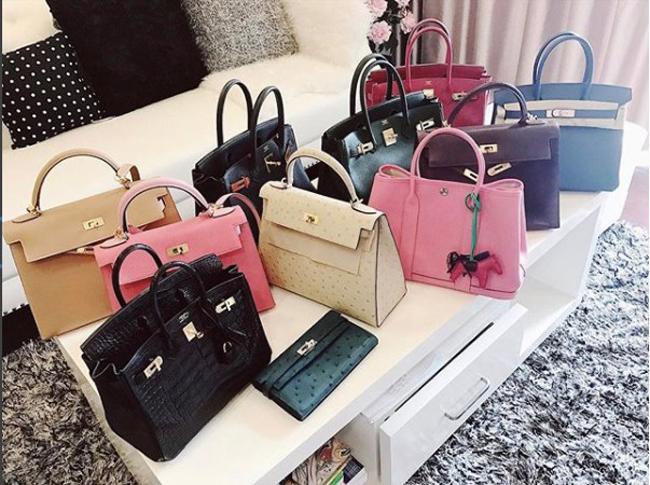 Những chiếc túi xách hàng hiệu đắt tiền cho thấy độ xa xỉ trong tủ đồ của Huyền My.
