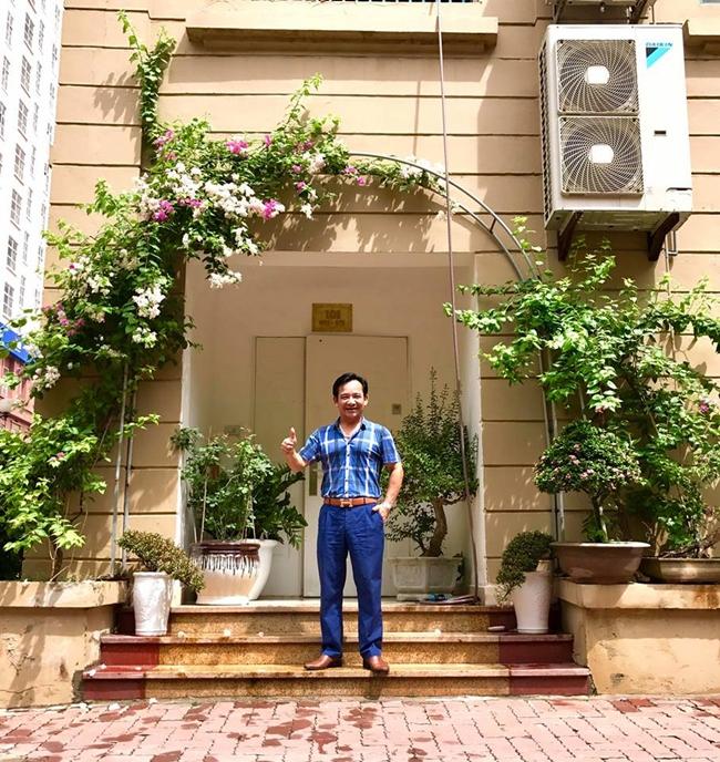 Trước đó, vào cuối năm 2016 anh cũng mua được căn hộ riêng trị giá 7 tỷ, rộng khoảng 170m2 ở một khu chung cư cao cấp tại Hà Nội.