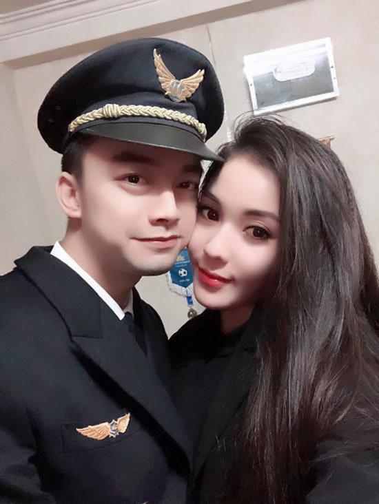 Sao 'nhí' một thời - người lái phi cơ chở U22 Việt Nam về nước là ai? - 10