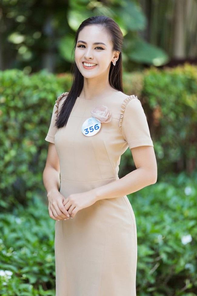 Quỳnh Nga từng tham gia một số cuộc thi khởi nghiệp do Đại học Ngoại thương tổ chức, đoạt học bổng ngắn hạn ở Israel...