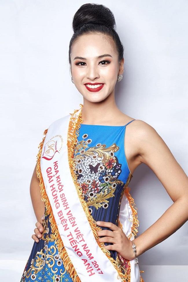Với khả năng tiếng Anh tốt, Quỳnh Nga từng đoạt giải hùng biện tiếng Anh ở cuộc thi Hoa khôi sinh viên Việt Nam 2017.