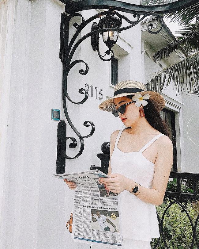 Nữ MC khoe làn da trắng trong bộ váy hai dây gợi cảm