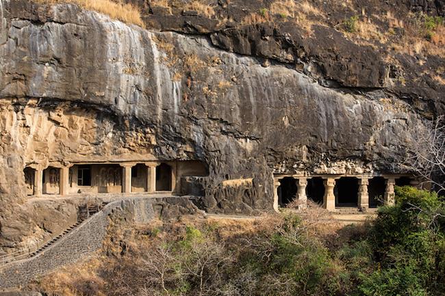 Khám phá hang động cổ đại nhất ở Ấn Độ - 1