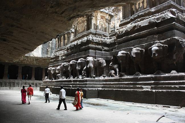 Khám phá hang động cổ đại nhất ở Ấn Độ - 4