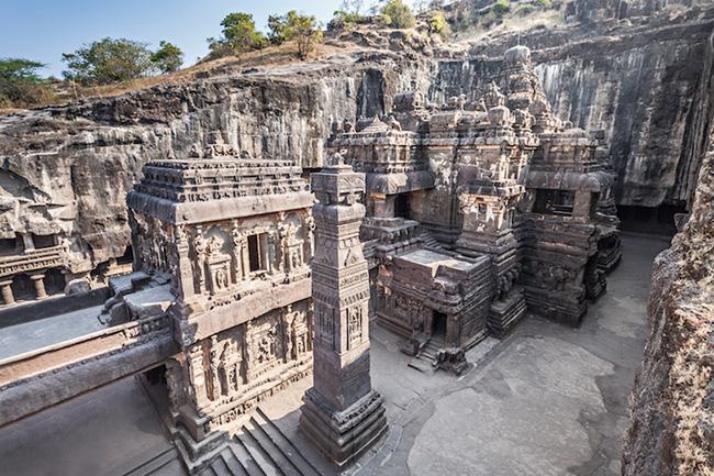 Khám phá hang động cổ đại nhất ở Ấn Độ - 5