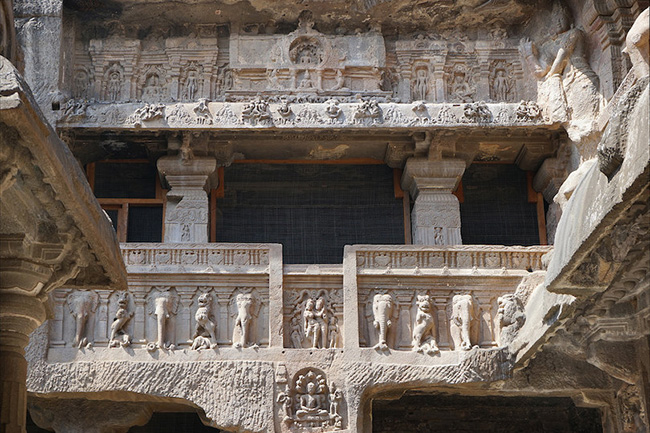 Khám phá hang động cổ đại nhất ở Ấn Độ - 7