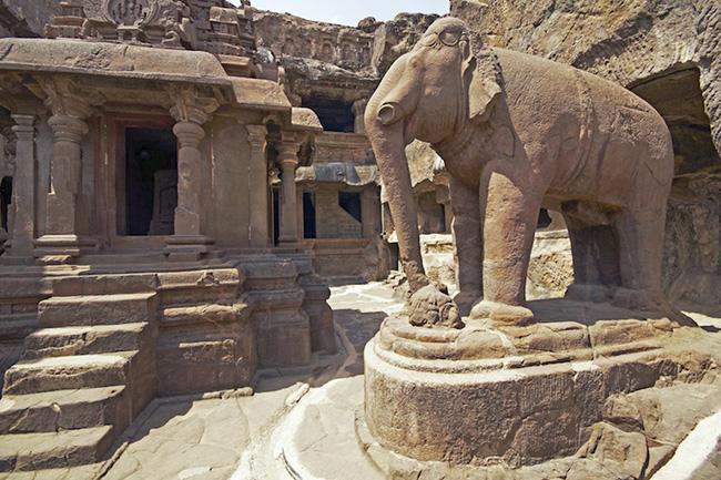 Khám phá hang động cổ đại nhất ở Ấn Độ - 8