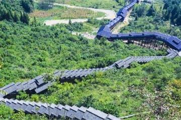 Thang cuốn dài nhất Trung Quốc mất 18 phút di chuyển, xuyên qua hẻm núi