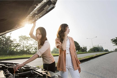 Xử trí thế nào khi ô tô đang đi giữa đường bị chết máy?
