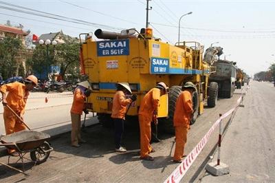 Quỹ bảo trì đường bộ không còn nhưng dân vẫn phải đóng phí