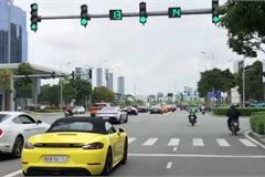 """Tài xế Porsche Boxster đánh lái cực """"chất"""" tránh pha tạt đầu của xe máy"""
