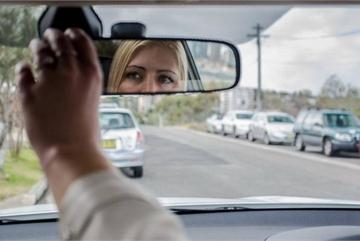 Cách chỉnh gương chiếu hậu để thoát khỏi điểm mù chết người của ô tô?