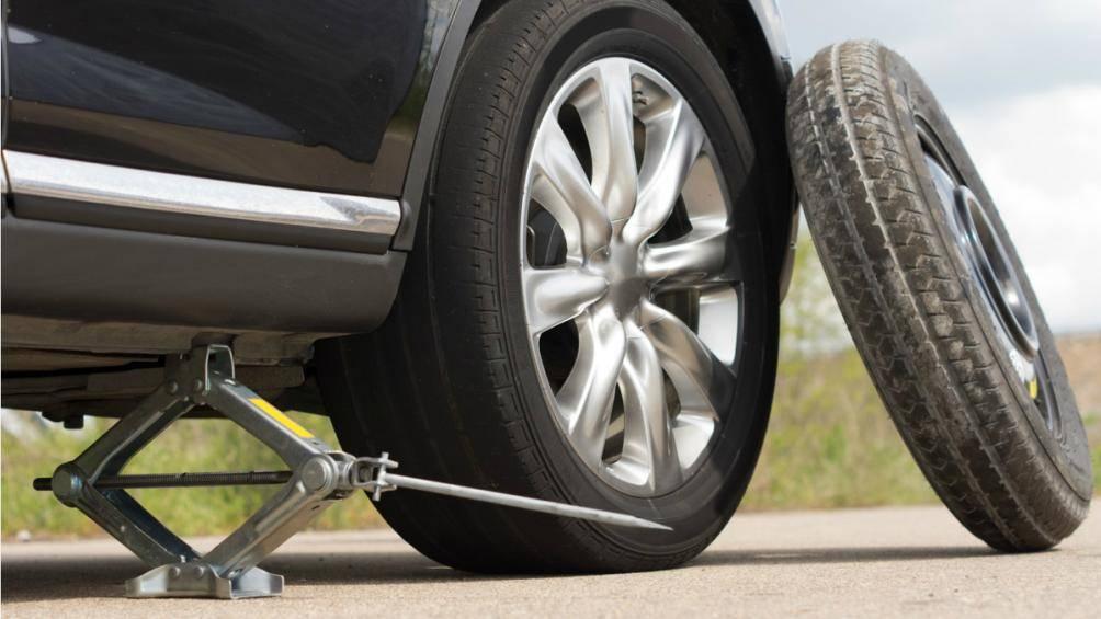 Lý do lốp dự phòng ô tô chỉ nên sử dụng trong thời gian ngắn - VietNamNet