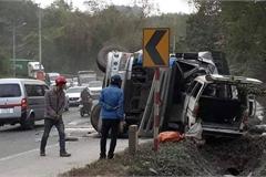 Gây tai nạn liên hoàn, tài xế say xỉn tắt điện thoại bỏ trốn