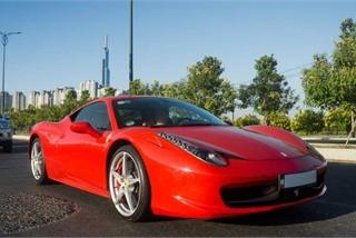 Chiêm ngưỡng siêu xe Ferrari 458 Italia trên đường phố Sài Gòn