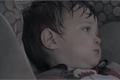 Bé gái 9 tháng tuổi tử vong do bị bỏ quên trong ô tô