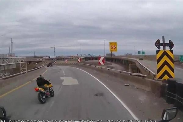 Biker ôm cua không làm chủ tốc độ lao thẳng qua cầu vượt