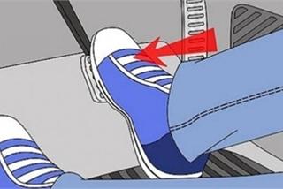 Sao không thiết kế chân phanh, chân ga xa nhau để tránh đạp nhầm chân ga?