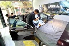 Lắp phụ kiện chống nóng ô tô, cẩn thận tiền mất tật mang