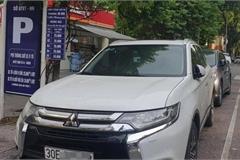 Giá trông, giữ xe ô tô thay đổi thế nào sau khi Hà Nội tạm dừng iParking?