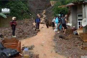 Mưa lớn ở Lào Cai: 2 người chết, nhiều tuyến đường sạt lở nghiêm trọng