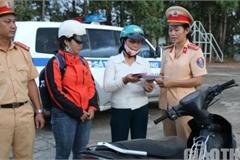 Người dân bất ngờ nhận lại xe từ CSGT sau một năm bị mất trộm