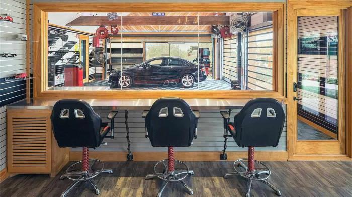 Ngôi nhà kỷ vật ô tô trị giá 8 triệu USD 4