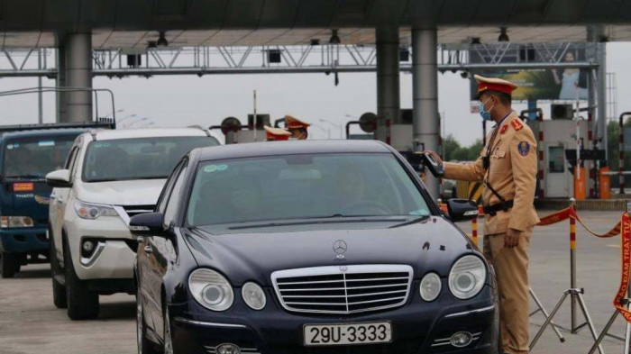 Mùng 1 Tết, CSGT xử phạt gần 1.800 vi phạm giao thông, tạm giữ 690 xe 1