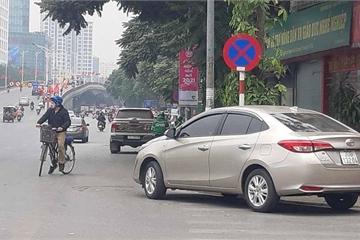 """Hà Nội: Ô tô vẫn vô tư dừng đỗ, hơn 400 phương tiện bị """"phạt nguội"""""""