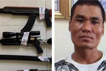 """Cảnh sát đột nhập Karaoke Lucky bắt nhóm """"Tú cải"""" thu giữ nhiều súng đạn"""