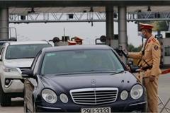 Mùng 1 Tết, CSGT xử phạt gần 1.800 vi phạm giao thông, tạm giữ 690 xe