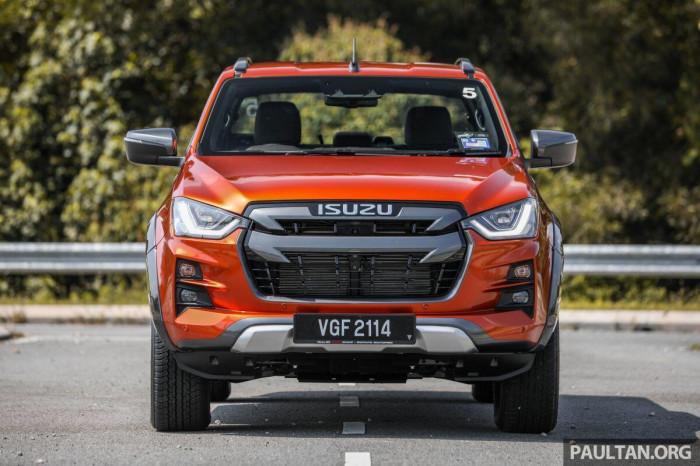 Bán tải ế nhất Việt Nam ra mắt phiên bản mới tại Malaysia, giá từ 496 triệu 5